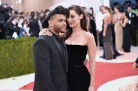 Mesra dengan Bella Hadid, The Weeknd Juga Kencani Mantan Pacar Justin Bieber