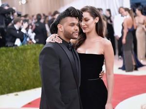 Sempat Bantah Balikan, Bella Hadid-The Weeknd Kepergok Ciuman