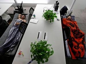 Budaya Tidur Siang Para Pekerja China