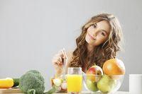 Cegah Sembelit dengan 5 Trik Makan dan Minum Ini