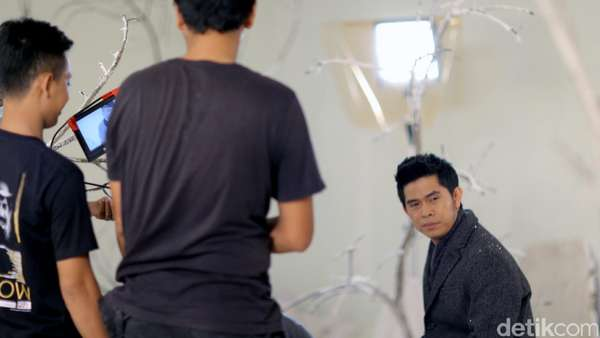 Intip Proses Syuting Video Klip Baru Cakra Khan