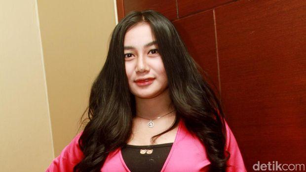 Chelsea Islan-Daffa Go Public, Tatjana Saphira Celeb of The Month Bulan Ini