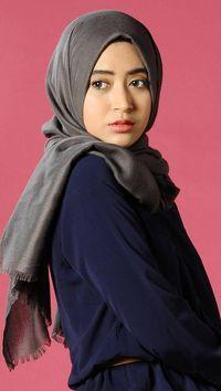 Natasha Farani Video Blogger Populer Yang Konsisten Buat Tutorial Hijab