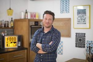 Jamie Oliver Larang Anak 14 Tahunnya <i>Selfie</i>, Kenapa Ya?