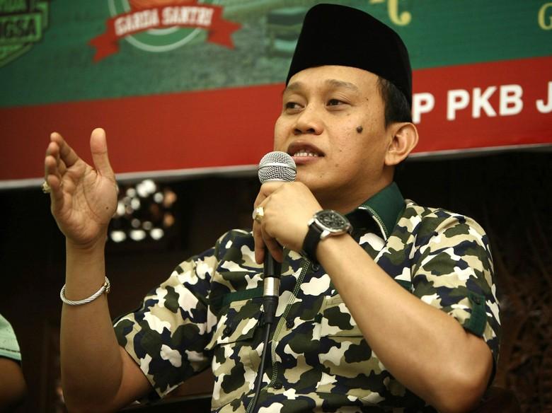 Neno Tak Mau Dengar Kritik Puisi Biadab, TKN: Nggak Boleh Sombong!