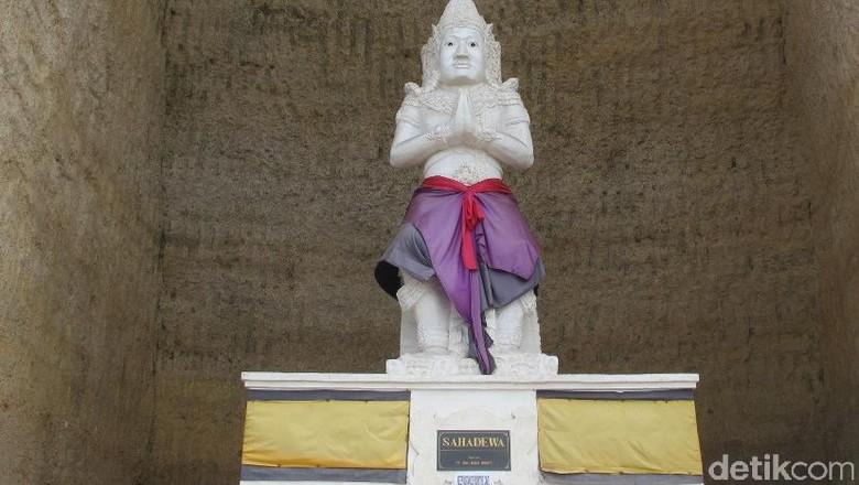 Foto: Patung Sahadewa, salah satu ksatria Pandawa (Afif/detikTravel)
