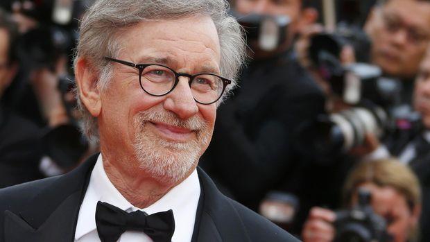 Steven Spielberg punya ide melarang film streaming masuk Oscar.