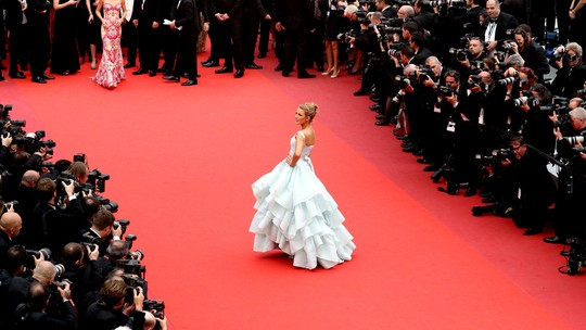 Like in a Fairy Tale! Blake Lively Tampil Bak Cinderella