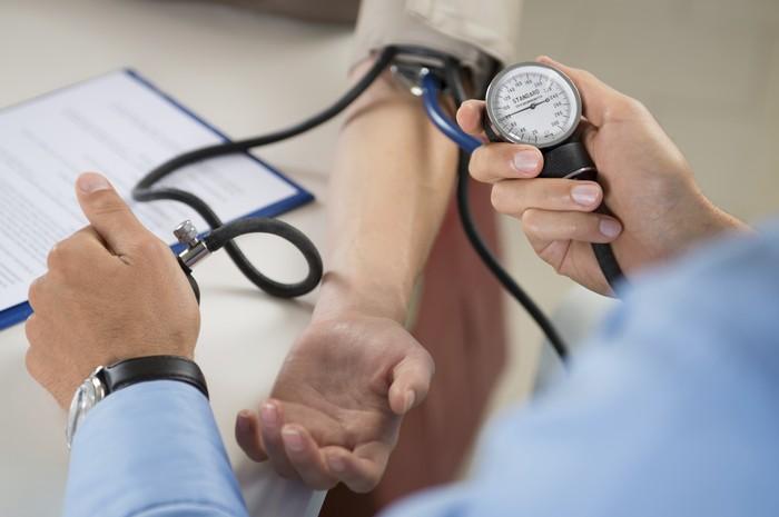Cukup dengan berjalan kaki 15 menit setiap hari membantu dalam meningkatkan aliran darah dan membantu menurunkan tekanan darah. Foto: Thinkstock