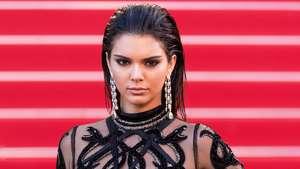 Kendall Jenner Seksi Bergaun Transparan di Festival Film Cannes 2016