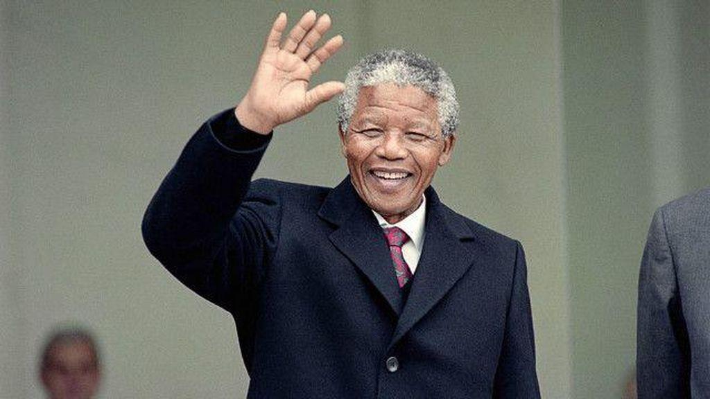 Rayakan Kelahiran Nelson Mandela, Facebook Suguhkan Ilustrasi