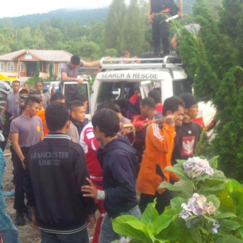 Banjir dan Longsor di Sibolangit, 7 Korban Tewas Dibawa ke
