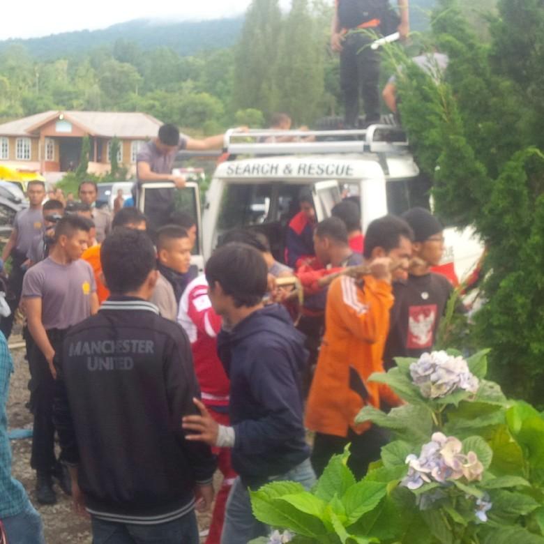 Banjir dan Longsor di Sibolangit, 7 Korban Tewas Dibawa ke RS Bhayangkara Medan