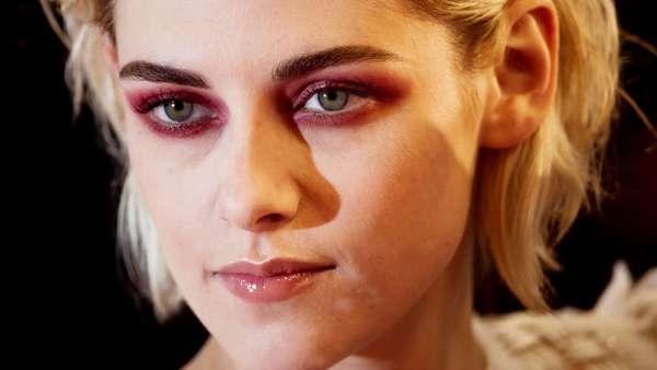 Dandanan Vampir Kristen Stewart di Cannes ini Yay or Nay?