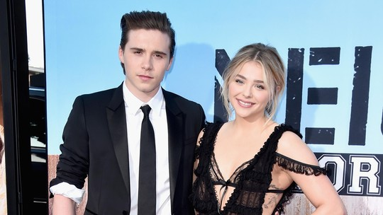 Aww, Chloe Moretz Gandeng Brooklyn Beckham di Red Carpet