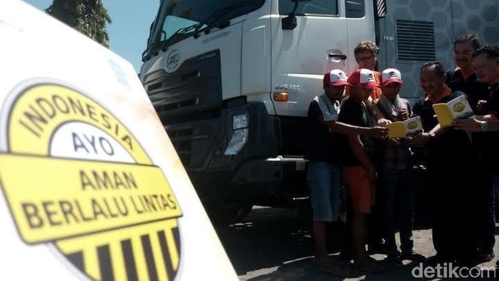 UD Trucks Ajak Pengemudi Truk Aman Berlalu Lintas