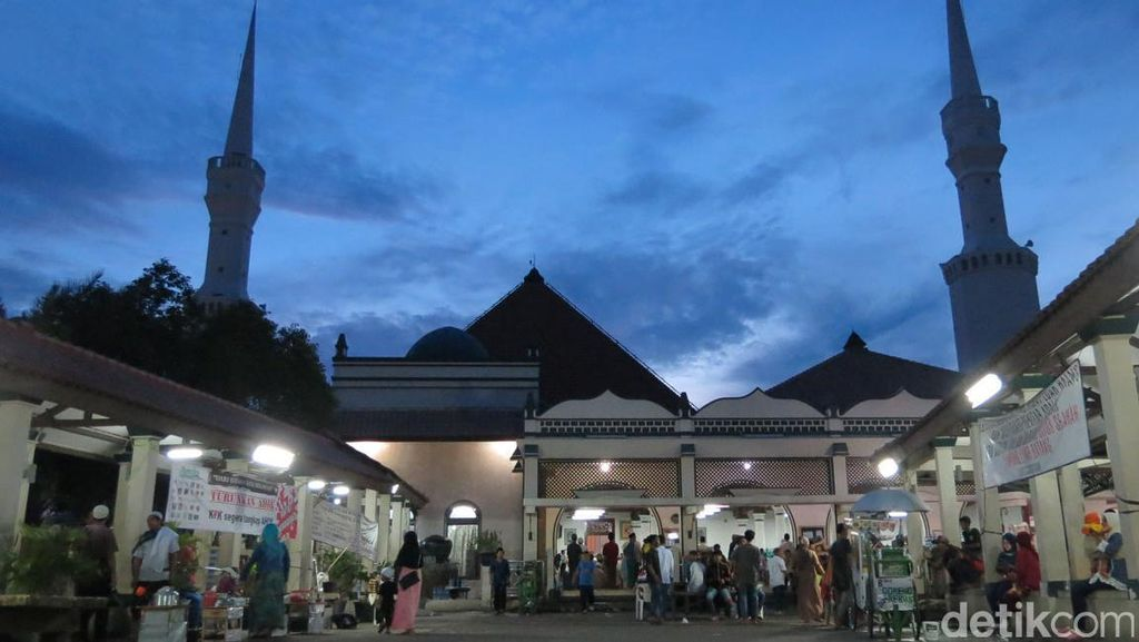 Masjid Luar Batang Tak Orisinal