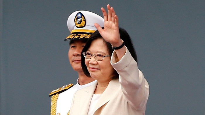 Tsai Ing-wen swears in as Taiwans President at the Presidential Office in Taipei, Taiwan May 20, 2016. REUTERS/Taipei Photojournalists Association/Pool