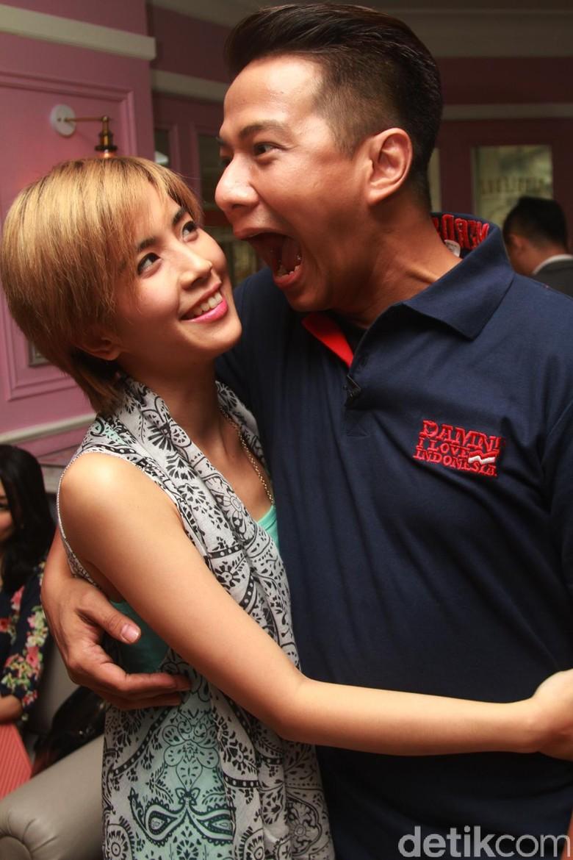 Santer Prahara Rumah Tangga Delon Thamrin, Istrinya Dikenal Tegar