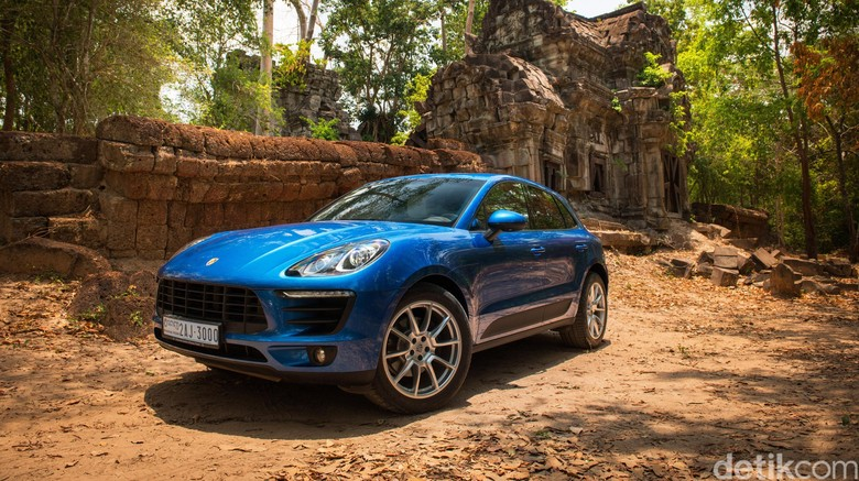 Test Drive Porsche Macan di Kamboja