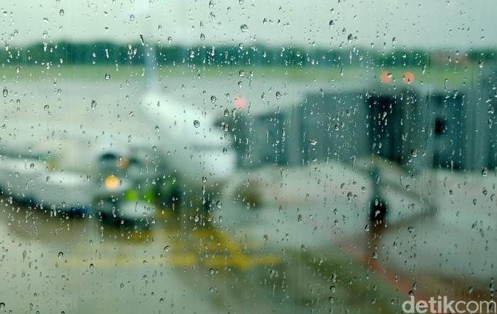 Ilustrasi Cuaca Buruk Bandara