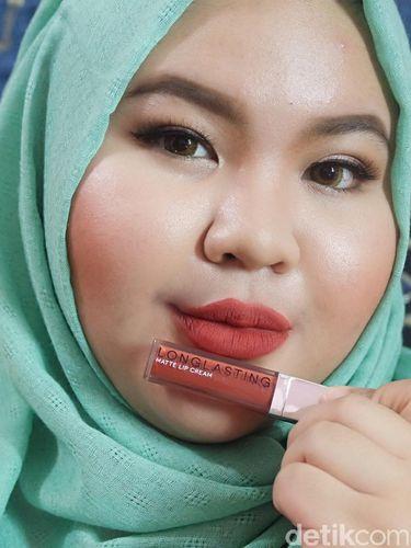 Product Review: Mencoba Lipstik Matte Keluaran Brand Lokal