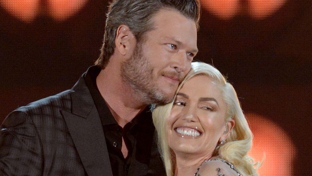 Duet Bareng Blake Shelton, Gwen Stefani Tampil Serba Nude di Billboard Awards