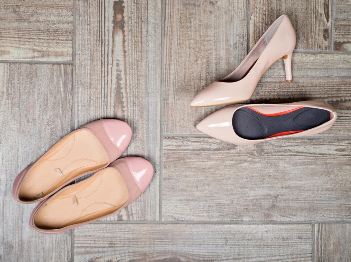 ilustrasi sepatu wanita