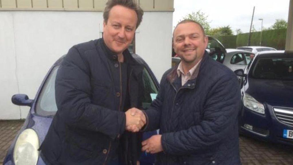 Perdana Menteri Inggris Hadiahkan Mobil Bekas untuk Istrinya