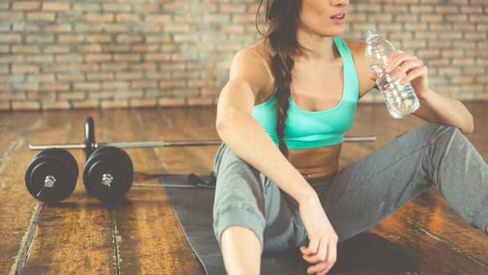 Sulit mendapatkan tubuh ideal, tapi lebih sulit lagi mempertahankannya jika tanpa disertai komitmen untuk hidup sehat (Foto: thinkstock)