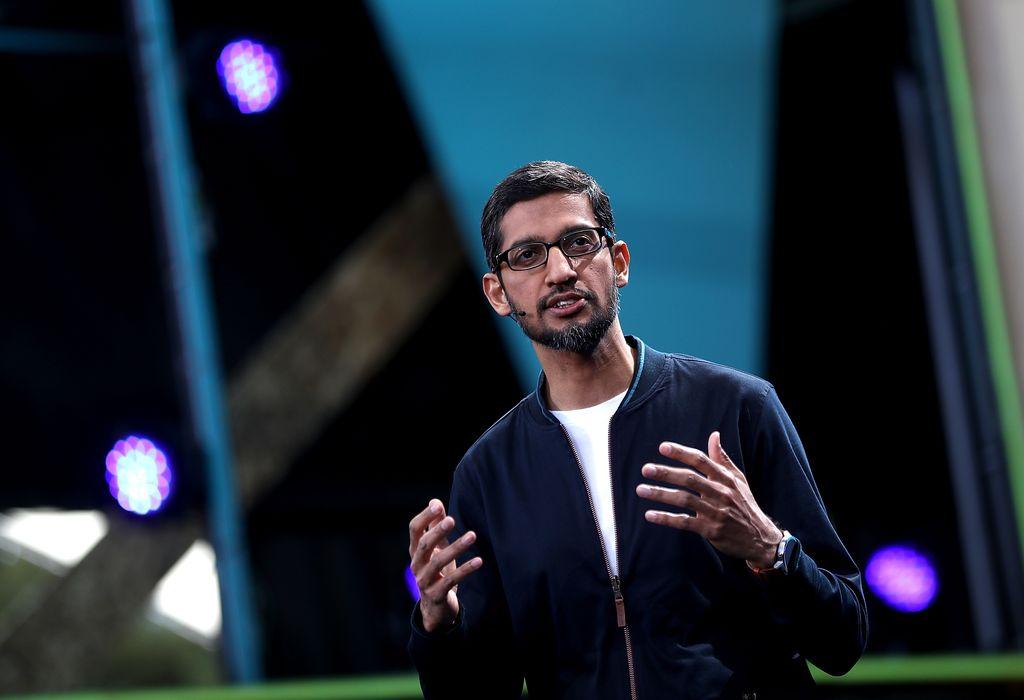 Pichai yang lahir di Tamil Nadu, India, meraih gelar sarjana dari Indian Institute of Technology dan gelar master dari Stanford University. Kemudian, ia bergabung menjadi karyawan Google pada tahun 2004 sebelum menjadi CEO pada tahun 2015. Foto: GettyImages