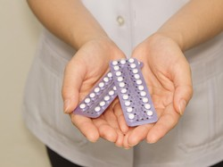 Muncul Keputihan Setelah Konsumsi Pil KB, Normalkah?