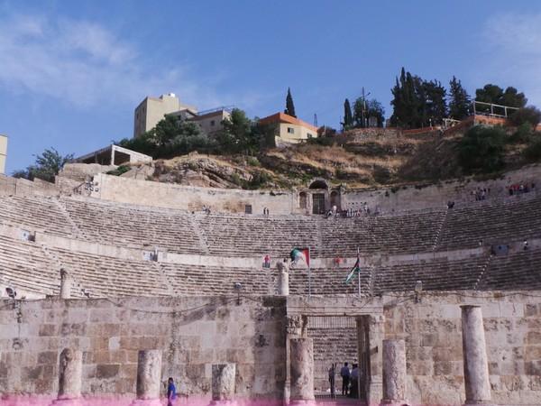 Karena situs-situs bersejarahnya, Amman juga kerap dikunjungi wisatawan dari berbagai belahan dunia. (dok. detikcom)