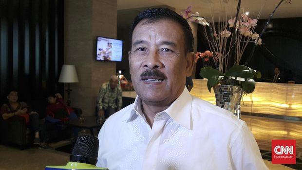 Umuh Muchtar menyatakan mundur dari posisi manajer Persib. (