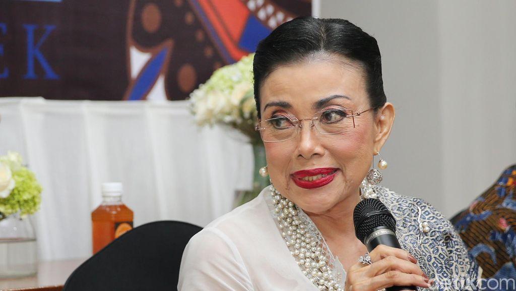 Tangis Mien Uno Ditinggal Desainer Kesayangan, Marga Alam