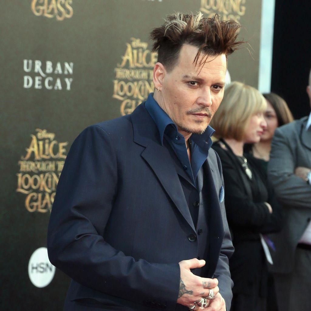 Merasa Cocok, Johnny Depp Disebut Siap Nikahi Polina Glen