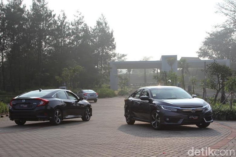 Sedan Honda Civic Turbo. Foto: Rangga Rahadiansyah