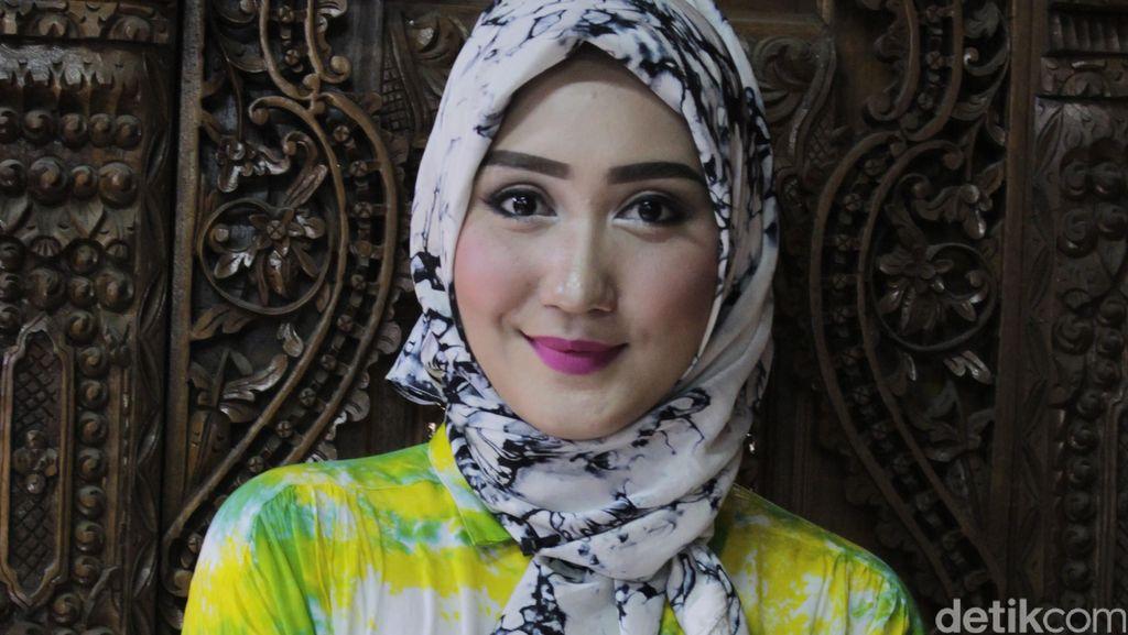 Umrah Bersama Ibu, Dian Pelangi Dengar Dentuman Keras di Masjid Nabawi