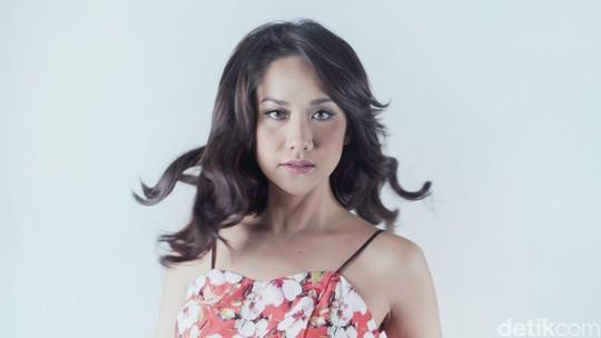 Yuk Intip Pose Anggun Bunga Citra Lestari untuk Celeb of The Month