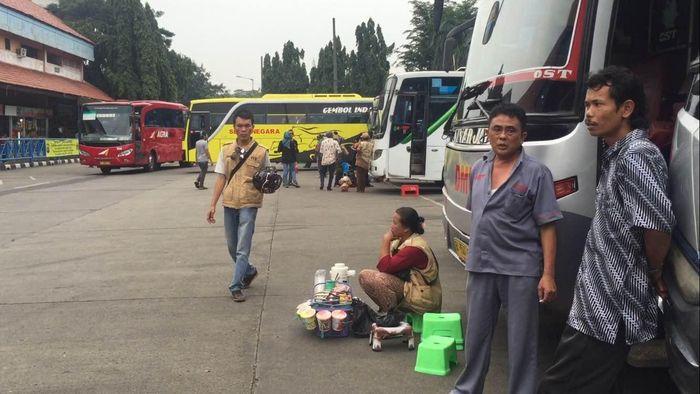 Terminal Bus AKAP Kampung Rambutan