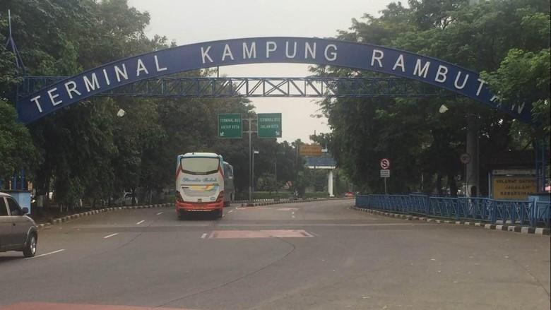 Ini Cara Membedakan Petugas dan Calo Tiket di Terminal Kampung Rambutan