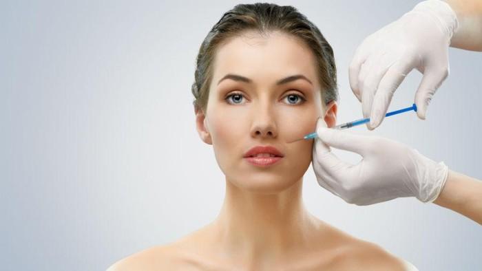 Suntik botox di wajah untuk mempercantik penampilan sah-sah saja. Kaum wanita melakukannya demi memperlancar karir dan promosi di pekerjaan. Foto: Thinkstock