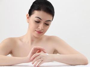 Rekomendasi 7 Body Lotion untuk Memutihkan Kulit