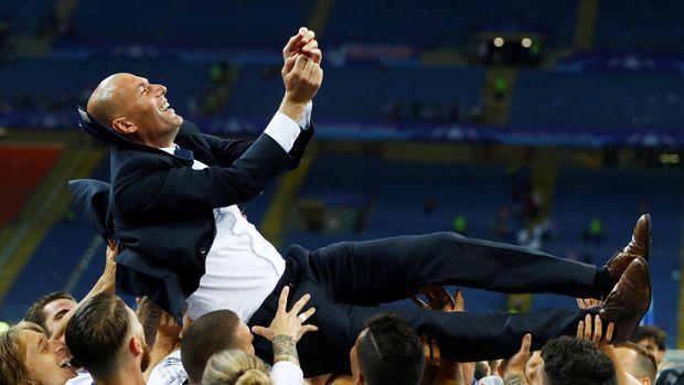 Zinedine Zidane kini melanjutkan karier sebagai pelatih Real Madrid.