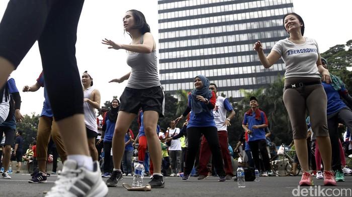 Ilustrasi senam sehat di jantung kota Jakarta (Foto: Rachman Haryanto)