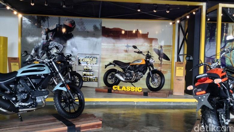 Ducati Flagship Store di kawasan Kemang (Foto: Dadan Kuswaraharja)