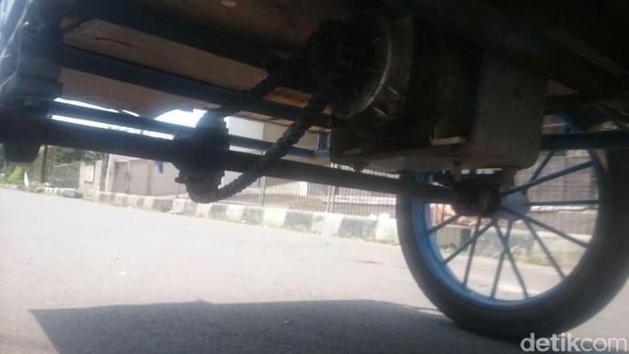 Motor Listrik Roda 3 Pengangkut Galon Air