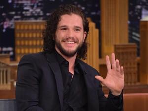 Netizen Dibuat Terkejut Wajah Baru Jon Snow Tanpa Janggut
