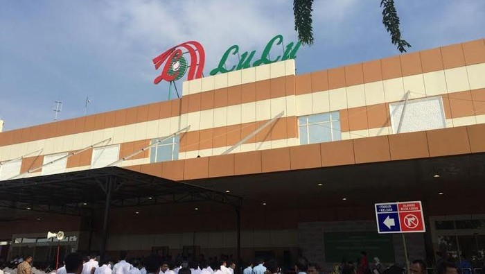 Hypermarket baru milik investor Arab, yaitu Lulu, diresmikan Presiden Joko Widodo.