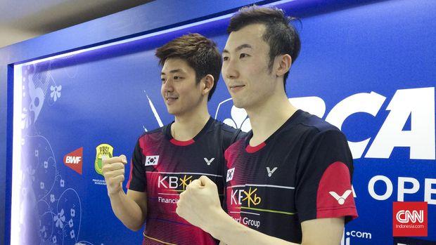 Lee Yong Dae saat berpasangan dengan Yoo Yeon Seong sempat mengalahkan Kevin Sanjaya Sukamuljo/Marcus Fernaldi Gideon.